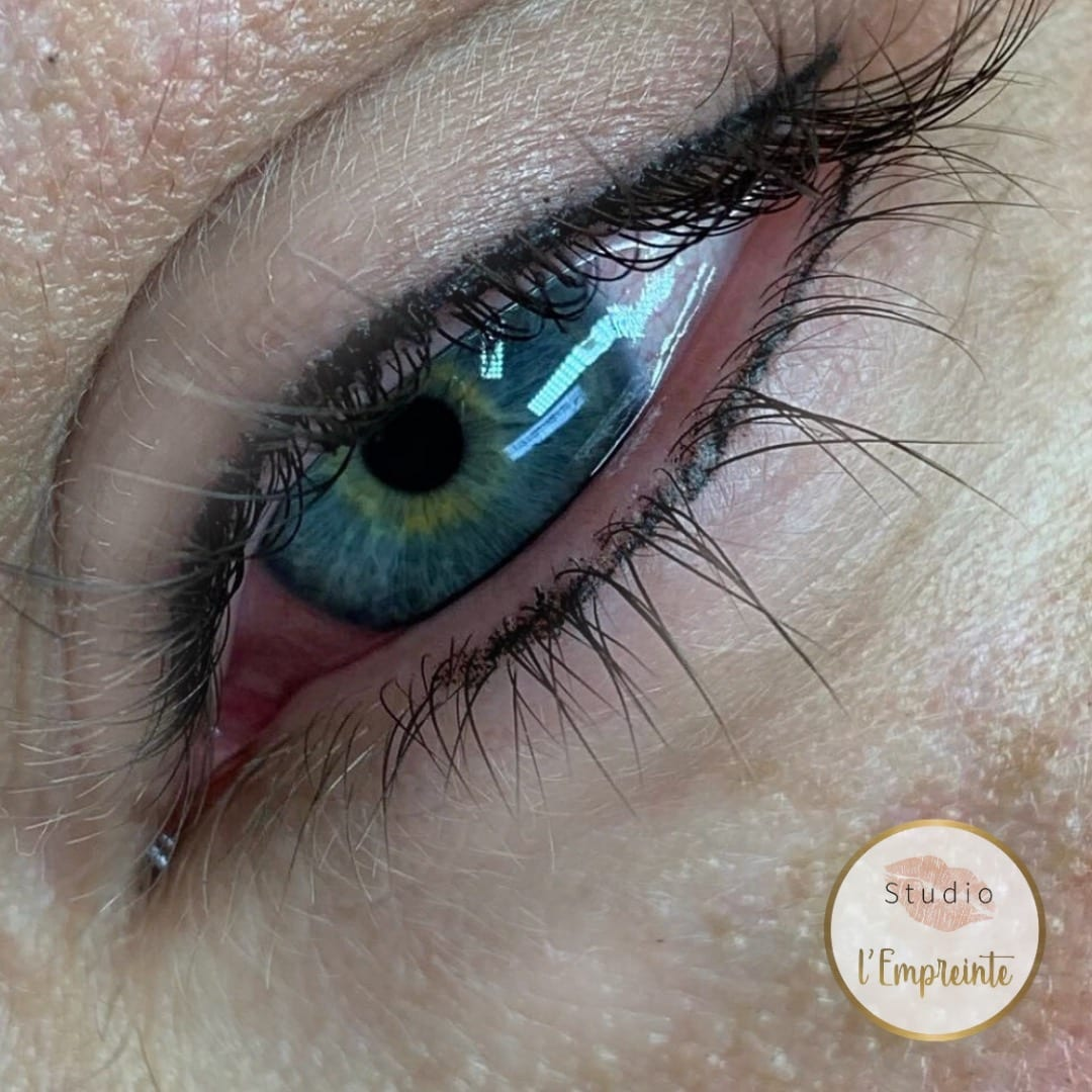 eyeliner ras du cil maquillage permanent